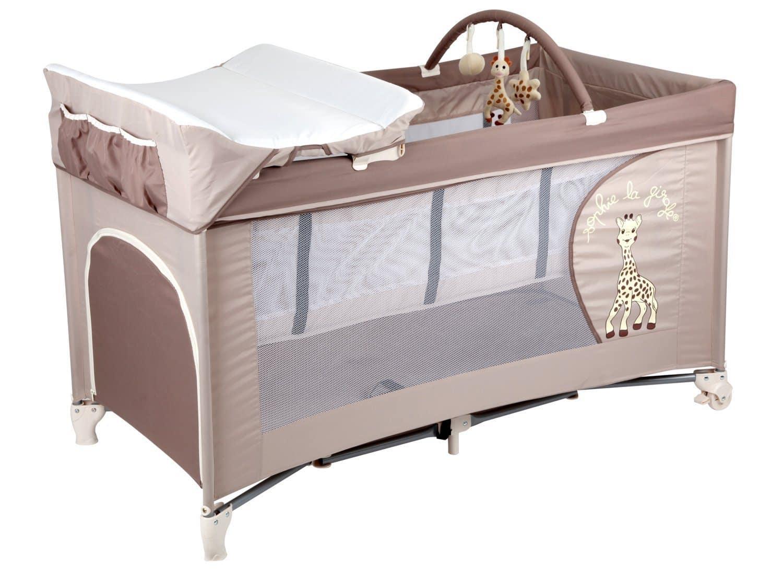 lit parapluie avec table à langer