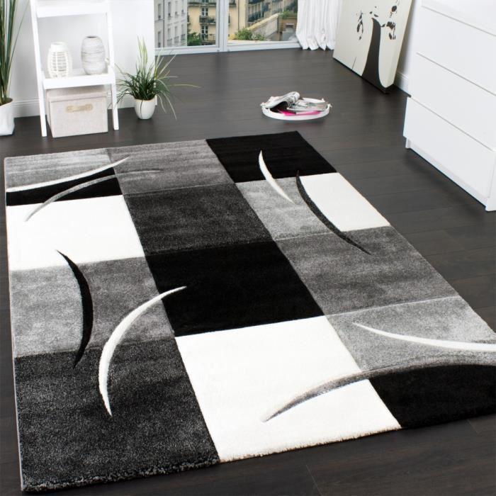 tapis noir et blanc